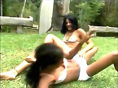 catfight victoria vs priscilla.wmv