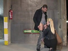 french teen blonde chick fuck in the parking