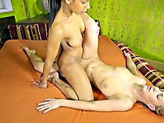 tribadism sexfight - isabella chrystin vs nataly cherry