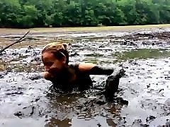 ashley in quicksand