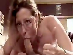 ugly mature shows she can still make cock grow hard with deepthroat skills5