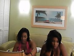 2 ebony women massives breasts playing on cam