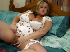 Chubby Girl Play With Huge Boobs