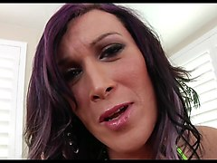 tranny on tranny blowjob redhaired peacherino can do everyth
