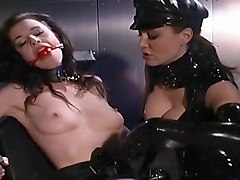 Latex Dominatrix Delivers Firm Spanking